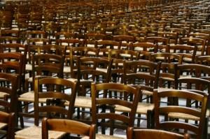Solche Stühle haben am Arbeitsplatz ausgedient. Quelle: Andri Peter / pixelio.de